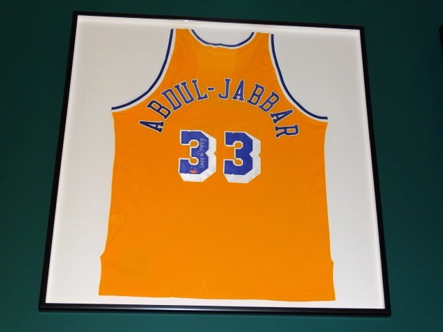 285d01547 SIGNED NBA KAREEM ABDUL-JABBAR LOS ANGELES LAKERS JERSEY FRAMED IN SHADOW  BOX