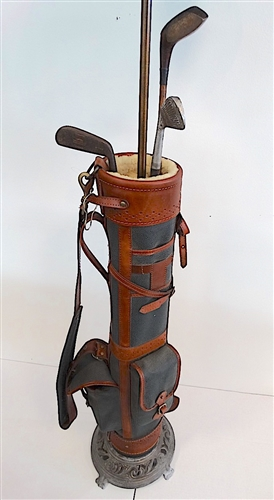BELDING OLD  GOLF BAG LAMP WITH ORIGINAL HICKORY SHAFTED CLUBS.