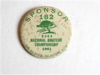1961 PEBBLE BEACH SPONSOR BADGE FOR USGA NATIONAL AMATEUR CHAMPIONSHIP - JACK NICKLAUS WINNER