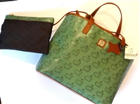 MASTERS EDITION HANDBAG WITH CLUTCH INSIDE. BRAND NEW BY DOONEY AND BOURKE